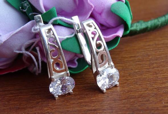 Шикарные серебряные серьги с золотой пластиной