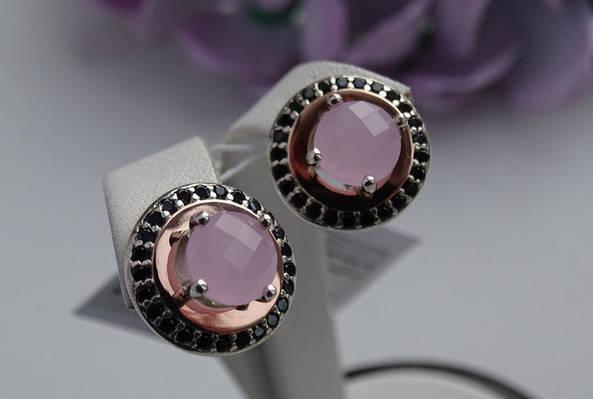 Серебряные серьги с золотой пластинкой и розовым куб. цирконием