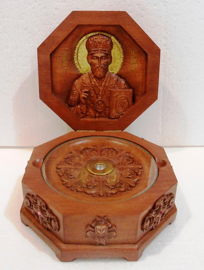 Ковчег из дерева на 1 мощевик Св. Николай
