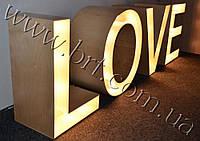 Букви LOVE з лампочками в оренду