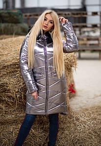 Зимняя куртка блестящаяс капюшоном