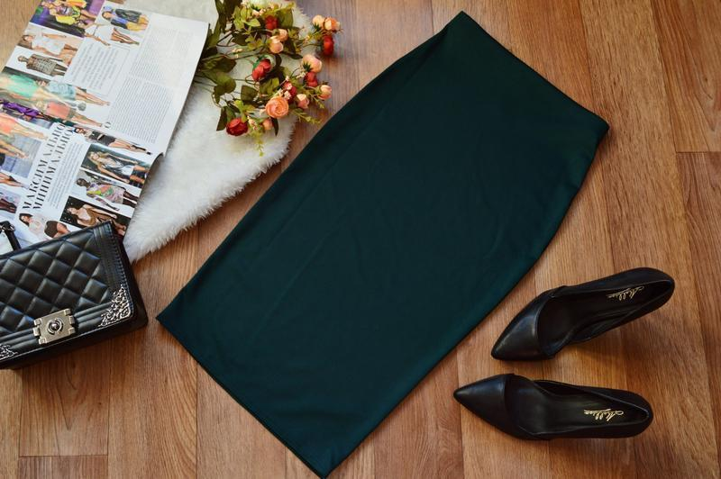 Женская юбка миди чёрная