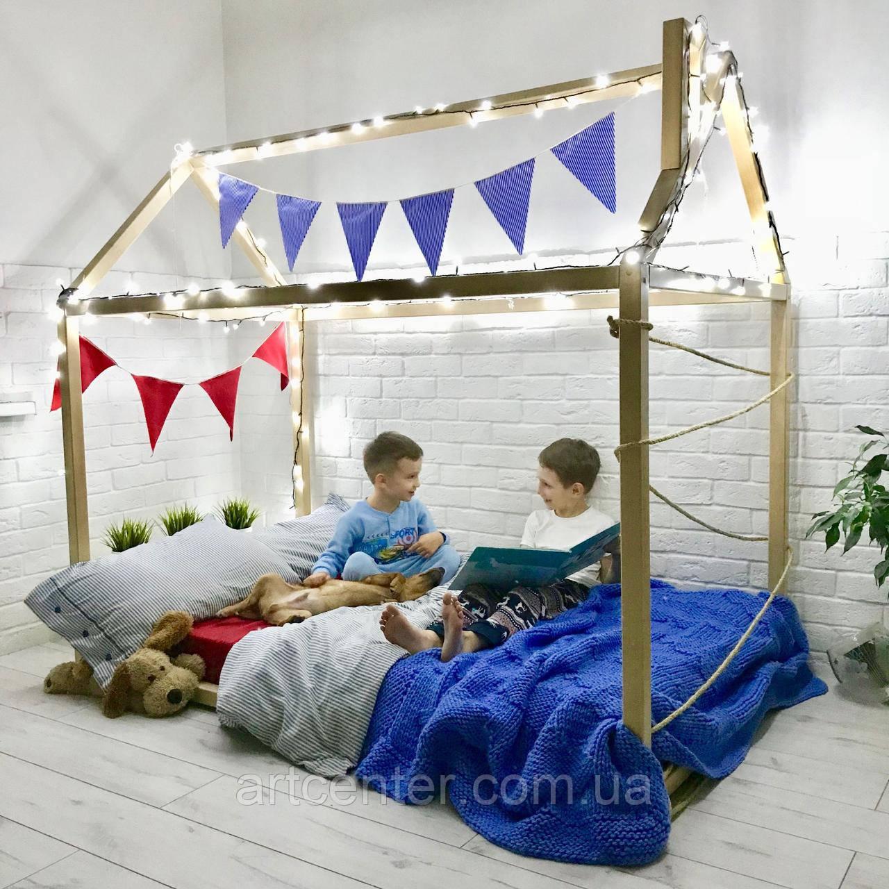 Кроватка-домик напольная, натуральное дерево