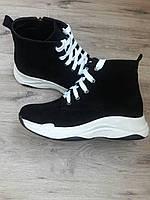 Зимние женские спортивные ботинки из черного замша с натуральным мехом р.37-40.