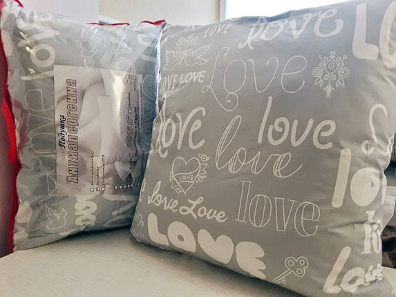 "Подушка ""Love is"" - холлофайбер, 70x70, фото 2"