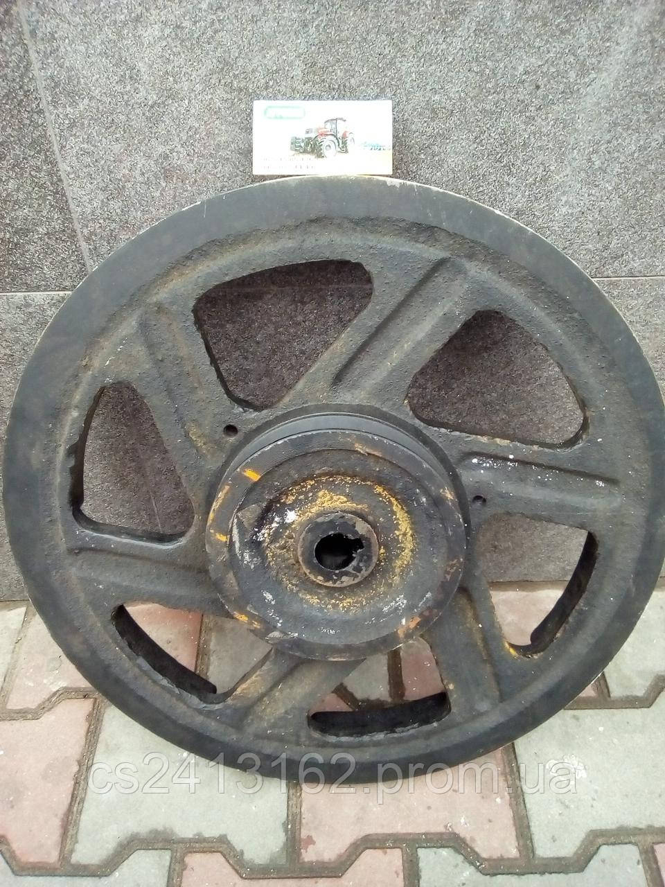 Шкив заднего контрпривода (левый, чугун) 54-2-170А комбайна Нива