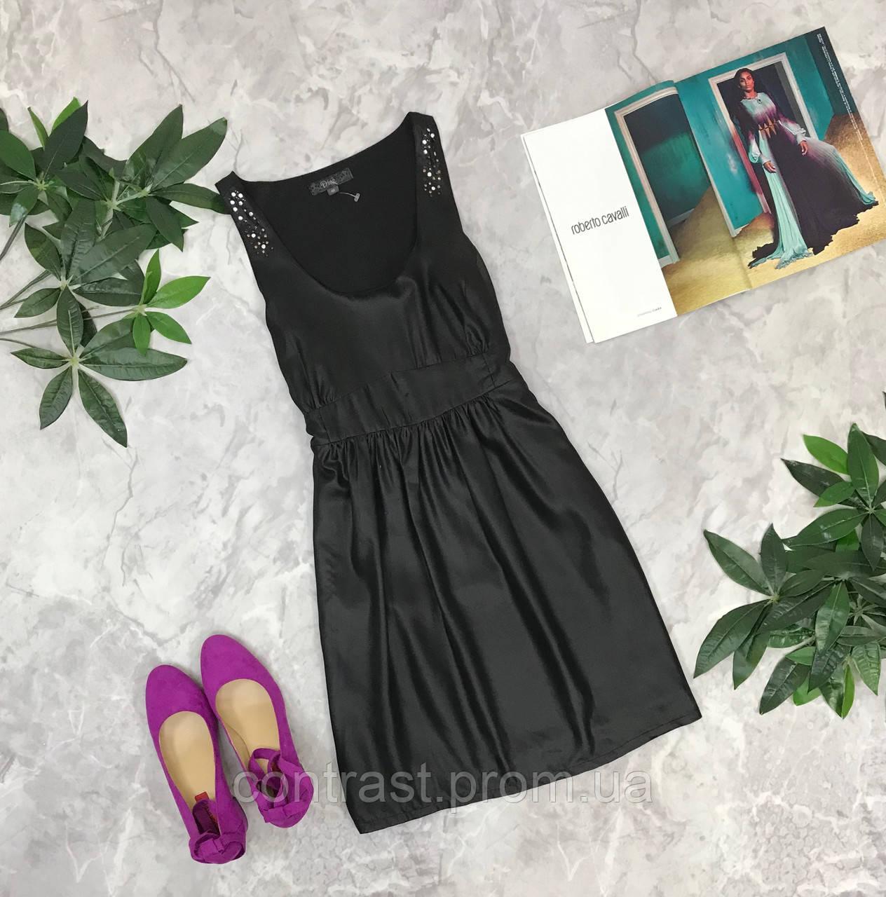 Приталенное платье с декором  DR1849011