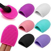 Щетка для мытья кистей Kylie brushegg love skin фиолет