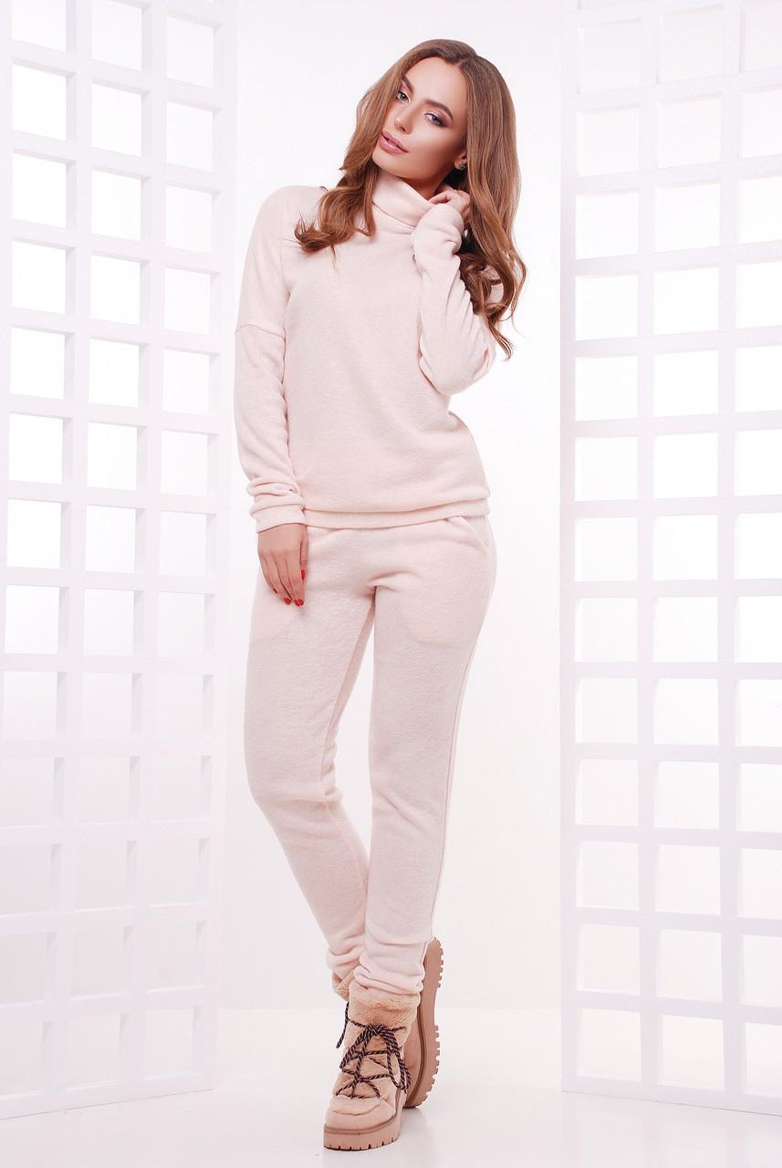 Теплый женский спортивный ангоровый костюм-двойка: свитер-гольф и штаны с карманами, нежно-персиковый