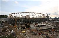 На «Олімпійському» почали монтувати найбільше у світі покриття
