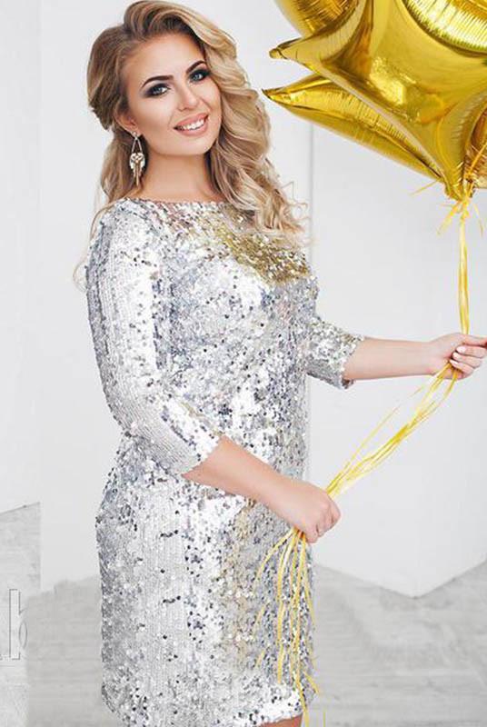 Серебристое короткое платье  Шайн большого размера