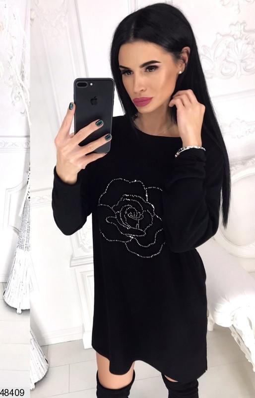 Модное платье короткое широкого кроя длинные рукава ангора черного цвета