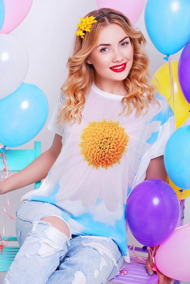 """Жіноча футболка """"Air"""" з принтом квітка"""