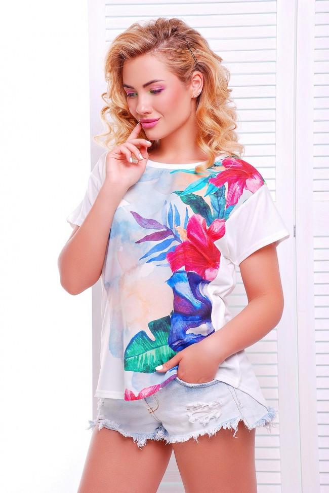"""Жіноча футболка """"Air"""" з яскравим квітковим принтом"""