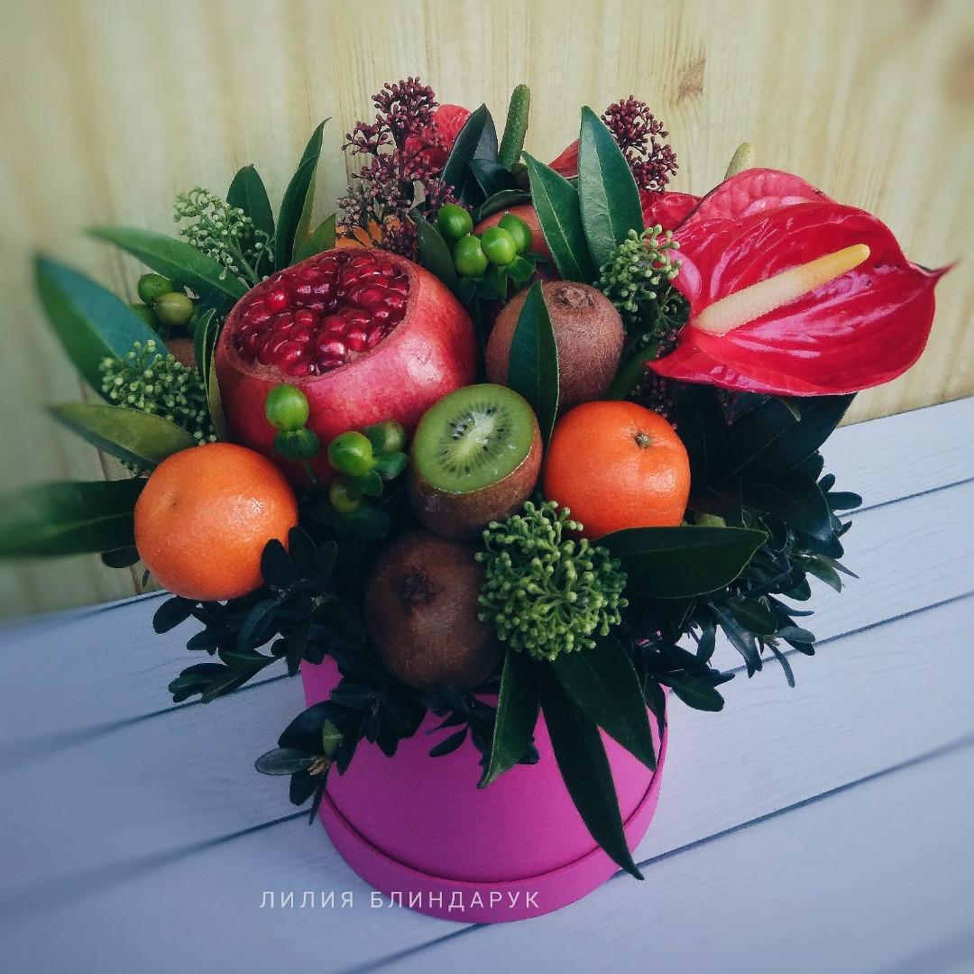 """Коробка с фруктами и цветами """"Экзотика"""""""