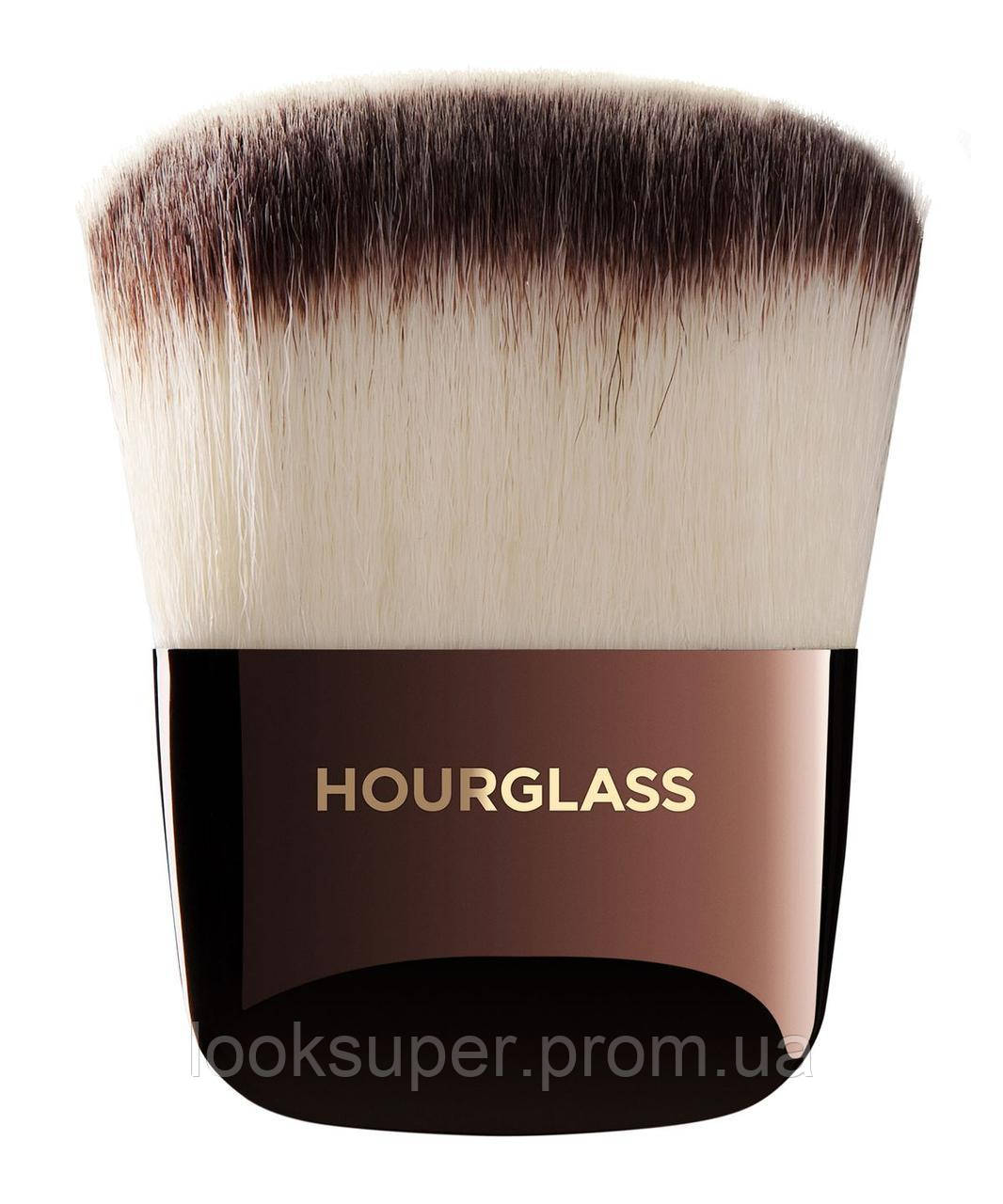 Кисть Ambient Powder Brush Hourglass