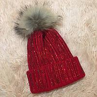 Женская вязаная шапка с бубоном и стразами красная, фото 1