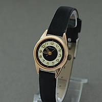 Аврора женские наручные механические часы СССР , фото 1