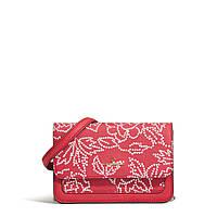 1b83e5260010 Женская красная сумочка crossbody из сафьяновой кожи с цветочным принтом  Karl Lagerfeld Paris