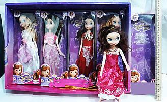 Кукла в нарядном платье