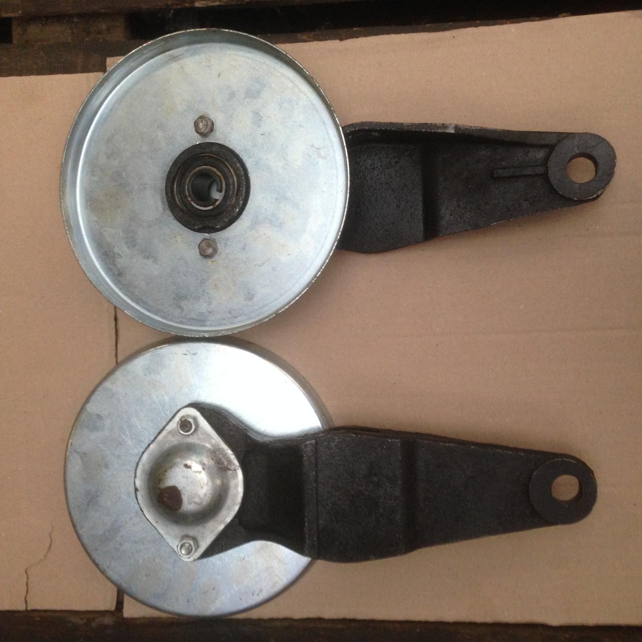 Рычаг (левый, правый) (ракетка)с донышком и подшипником вала нижнего наклонной камеры ДОН-1500А/Б