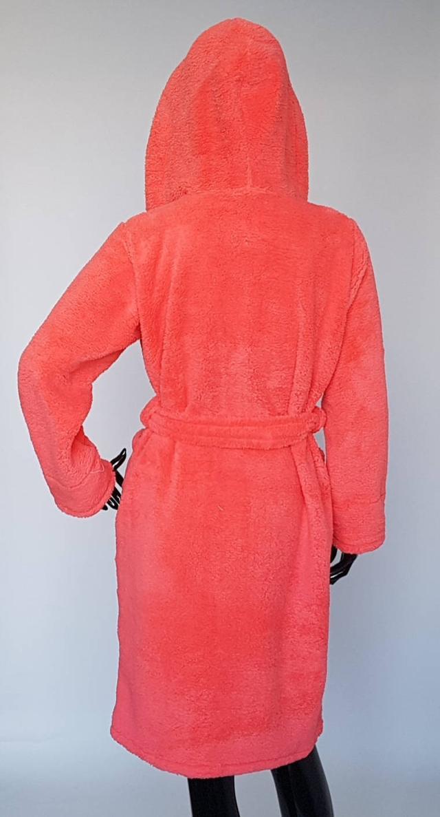 картинка женский короткий махровый халат