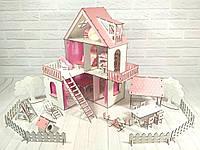Домик для кукол 2113 Солнечная дача с обоями, шторками, мебелью, текстилем, двухъярусной кроваткой и двориком