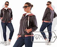 Куртка-олимпийка из тиснённой экокожи без подклада на молнии с манжетами и капюшоном из двунитки, 2 цвета