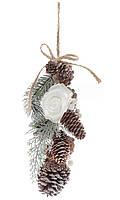 Новогоднее украшение  Ветка-гирлянда из веток, шишек и белых роз, 30 см (8шт)
