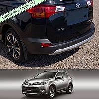 Toyota RAV-4 2013-2016 ribbed пластиковая накладка заднего бампера