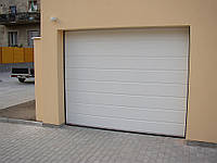 Секционные гаражные ворота KRUZIK 2000-2250 х 1940-2050мм
