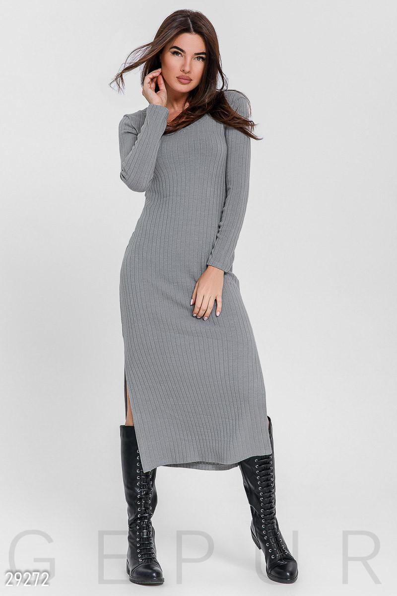 Трикотажное платье-макси серого цвета
