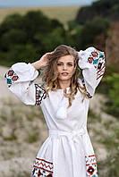 Белое вышитое платье до колен машинной вышивки из льна, фото 1
