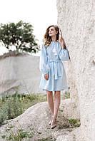 Праздничное нежно-голубое короткое вышитое платье с растительным орнаментом, фото 1