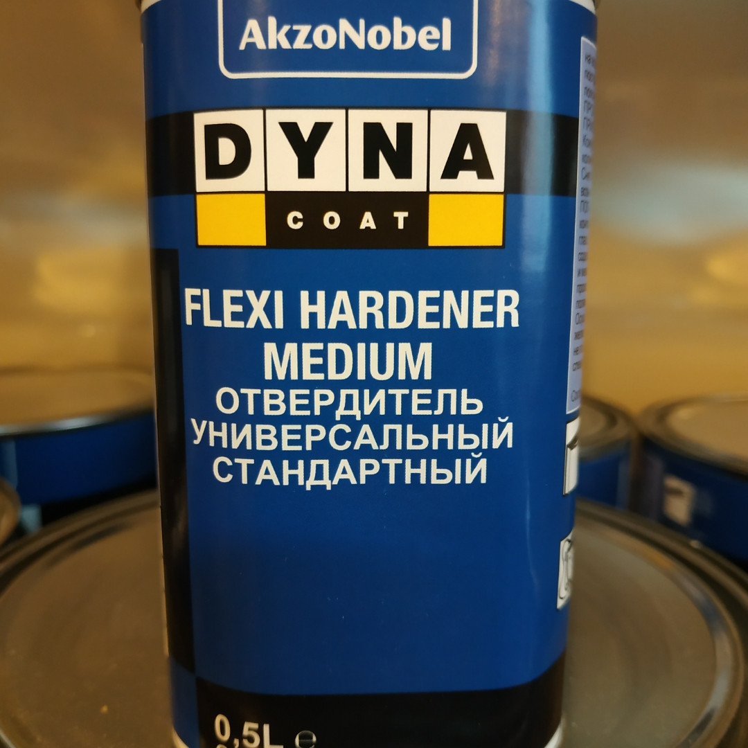 Отвердитель для лака Dynacoat Flexi Hardener Medium 0,5л