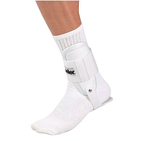 Фиксатор голеностопного сустава Mueller Lite Ankle Brace 4554 One size