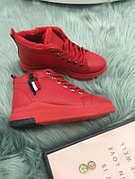 Ботинки женские зимние красный цвет