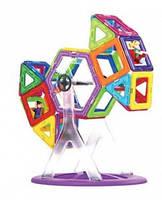 Магнитный конструктор на 61 элементов с английскими буквами в пластиковом чемодане.