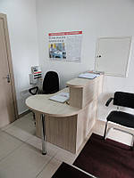Стойка ресепшн в офис для секретаря (R-21)