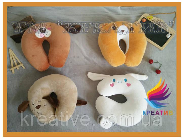 Подушки игрушки различные под шею с вашим логотипом под заказ (от 50 шт.)