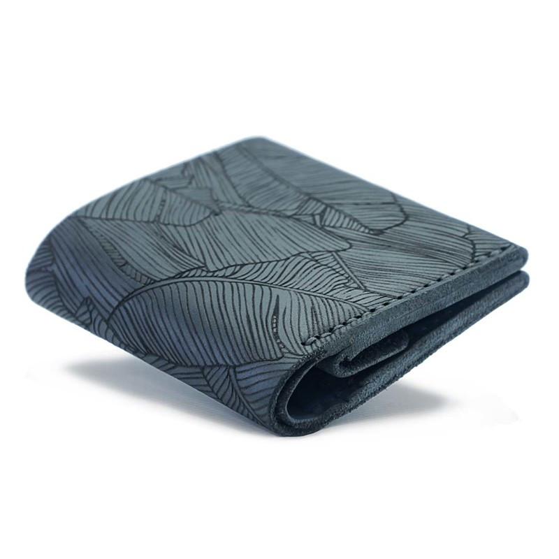 """Кошелёк компактный кожаный на кнопке с карманом для монет """"Square Fern"""". Цвет синий"""