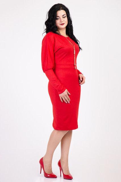 Нарядное красное платье футляр