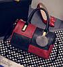 Модная женская сумка с меховым брелком Черно-красный
