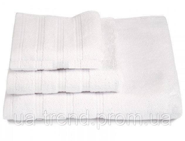 Набор махровых полотенец белого цвета