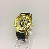 Модные наручные часы с открытым механизмом