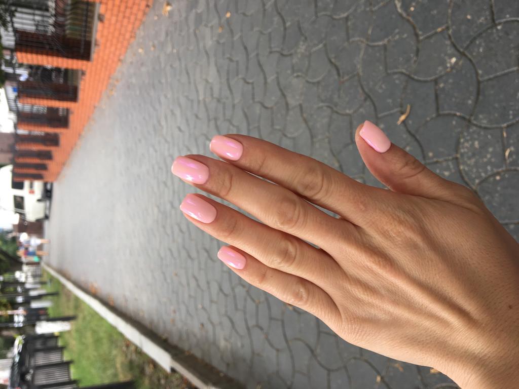 Втирка на нежно розовом оттенке гель-лака  1