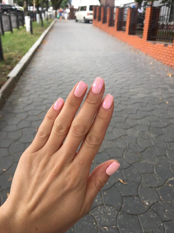 Втирка на нежно розовом оттенке гель-лака  3