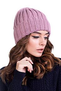 Женская шапка обьемной вязки