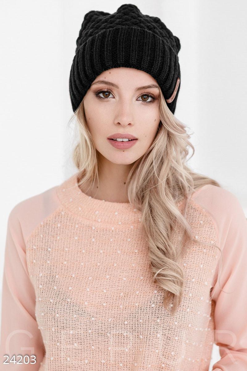 Зимняя черная шапка с широким отворотом