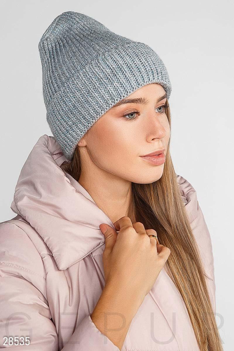 Тепла в'язана шапка з одворотом і флісовою підкладкою сіра